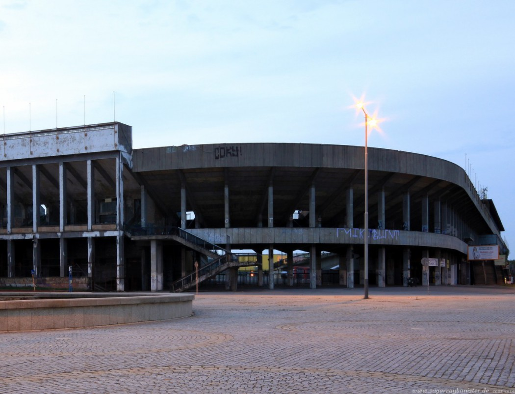Am Strahov-Stadion in Prag